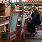 Библиотекарям и музейным работникам Москвы предлагают поработать в поликлиниках